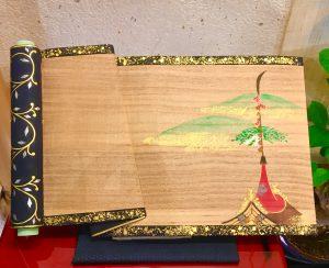 久保田彫刻工房     板飾り『絵巻』